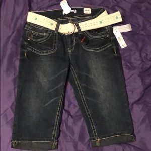 Pants - Belted capris, curvy fit, never worn